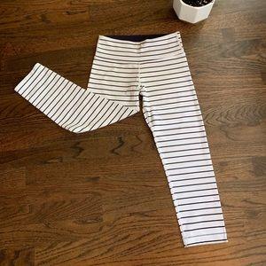 Lululemon Quiet Stripe Crops Size 4. 🦄🦄🦄